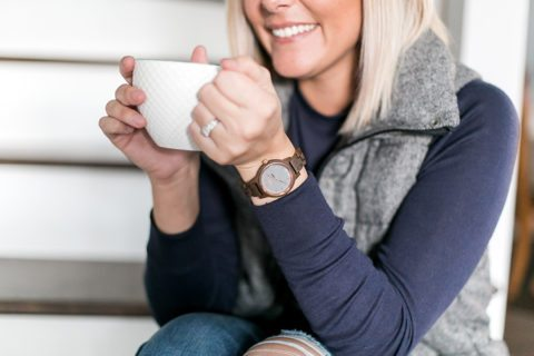 This Jord women's wood watch is a cozy detail for this winter outfit with a puffy vest & TOMS boots! // thinkelysian.com